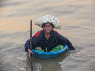 Cambodge_Tonle Sap_girl