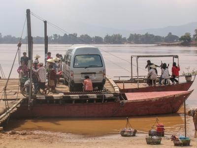Laos_boat Champassak