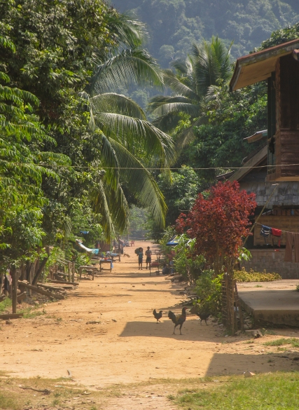 Laos_rue village 3